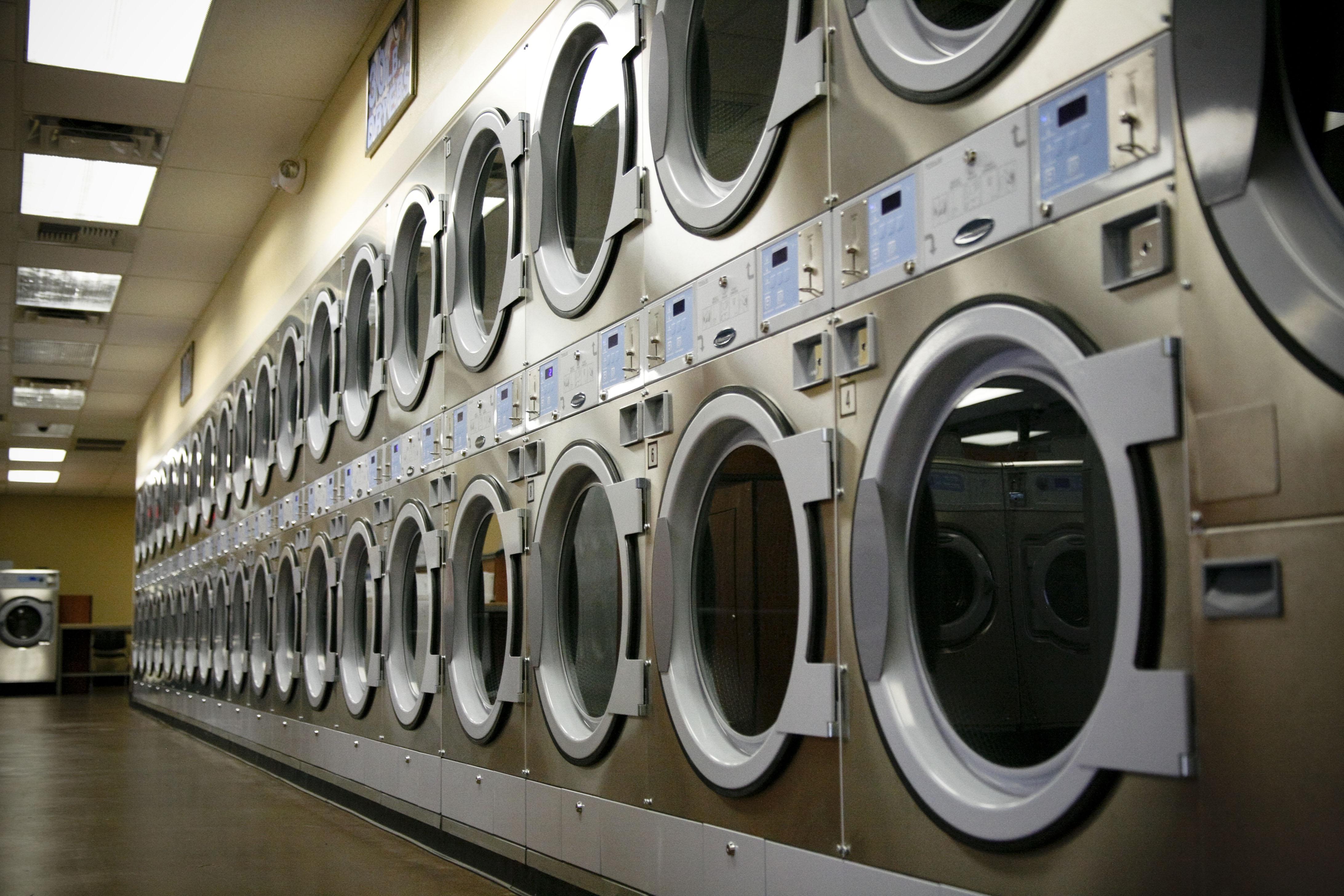 kelebihan dan kekurangan laundry di indonesia