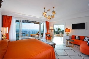 Linens and towels at Il San Pietro di Positano are expertly cleaned with Electrolux Professional Laundry equipment.